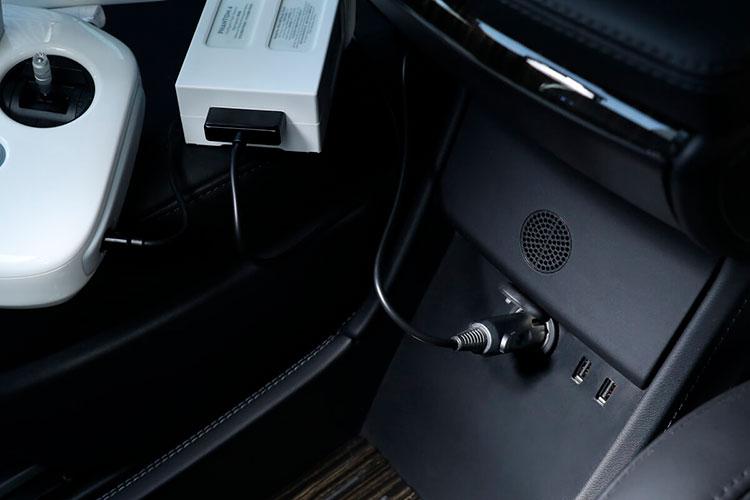 DJI Caricabatterie da auto Phantom 4