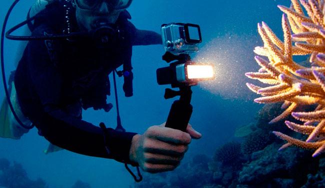 illuminazione subacquea gopro
